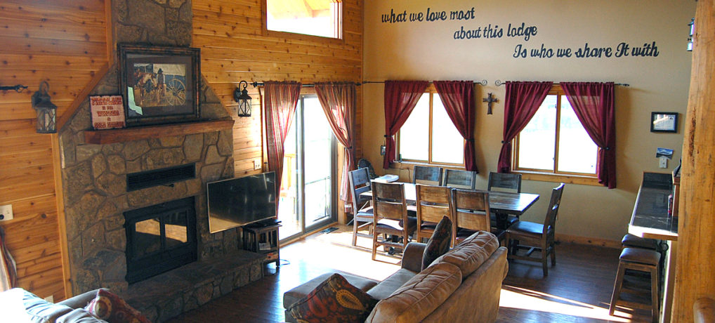 Timber Creek Vacation Cabin Living Room